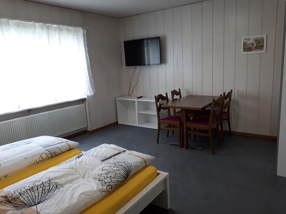 Monteurzimmer: good bed Deitingen