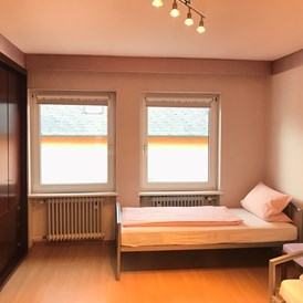 Monteurzimmer: Doppelzimmer - M&A Immobilien - Offingen / rooms & apartments